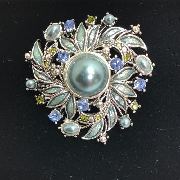 8eedb20458e Monet Jewelry   Vintage Silvertone Brooch With Rhinestones   Poshmark